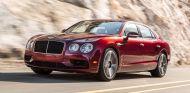 Más potencia, un chasis recalibrado y una transmisión más deportiva avalan al Bentley Flying Spur V8 S - SoyMotor