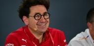 """Binotto, """"feliz"""" por saber que Hamilton estará disponible en 2021 - SoyMotor.com"""