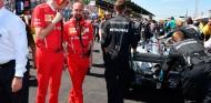 Mattia Binotto, en la parrilla junto a Mercedes - SoyMotor.com