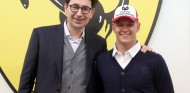 Mattia Binotto y Mick Schumacher - SoyMotor.com
