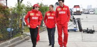 Binotto fue a ver a Vettel antes que a Leclerc tras el GP de Italia 2019 - SoyMotor.com
