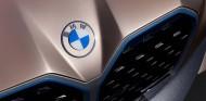 Nuevo logo de BMW en el Concept i4 - SoyMotor.com