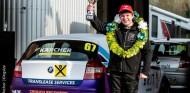 Un joven autista gana en su debut en Brands Hatch - SoyMotor.com
