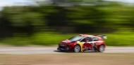 Enésimo 'guiño' a los rallies: Bottas prueba un Citroën C3 WRC - SoyMotor.com