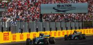 Valtteri Bottas y Lewis Hamilton en Hungría - SoyMotor.com