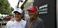 Valtteri Bottas y Niki Lauda - SoyMotor