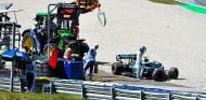 Valtteri Bottas tras su accidente en los Libres 2 del GP de Austria F1 2019 - SoyMotor