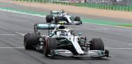 Valtteri Bottas y Lewis Hamilton en el GP de Gran Bretaña F1 2019 - SoyMotor