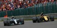 Carlos Sainz y Valtteri Bottas en Spa-Francorchamps - SoyMotor.com