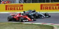 Vettel y Bottas peleando durante el GP de España 2017 - SoyMotor.com