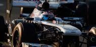 Valtteri Bottas seguido de Pastor Maldonado en Suzuka - LaF!