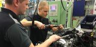 Bottas visita Stuttgart, sede de Daimler - SoyMotor.com