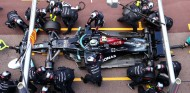 Ferrari ayudó a Mercedes con la rueda atascada en Mónaco - SoyMotor.com