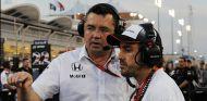 A Boullier no le preocupa que Alonso corra en Indianápolis - SoyMotor.com