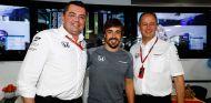 "Alonso a McLaren: ""Nos veremos el año que viene si me enviáis algo bonito"" - SoyMotor.com"