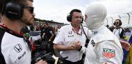 Tag Heuer dejará de lucir en los monos de los pilotos de McLaren en 2016 - LaF1
