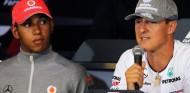 Lewis Hamilton y Michael Schumacher en una imagen de archivo - SoyMotor.com