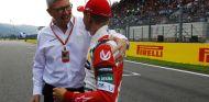 Ross Brawn y Mick Schumacher - SoyMotor.com