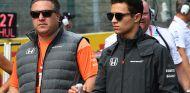 Zak Brown y Lando Norris en Spa-Francorchamps - SoyMotor.com