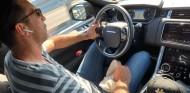 La foto al volante que más cara le va a salir a Gianluigi Buffon - SoyMotor.com