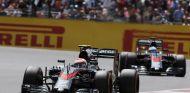 Jenson Button y Alonso en Silverstone - LaF1.es