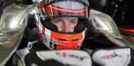 Jenson Button metido en el MP4-30 - LaF1