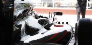 Jenson Button en su box - LaF1.es