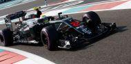 Button competirá con un casco especial que recuerda su año en BrawnGP - SoyMotor