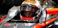Jenson Button a los mandos del McLaren MP4-30 - LaF1