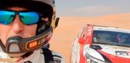 De París a Abu Dabi: Alonso vuela por las dunas en un test con Calleja - SoyMotor.com
