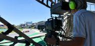 Operario de cámara durante el GP de Brasil F1 2017 - SoyMotor.com