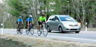Nuevo cambio en la normativa para adelantar a ciclistas - SoyMotor.com