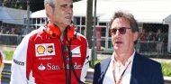 Maurizio Arrivabene y Louis Camilleri en Monza - SoyMotor.com