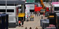 Camiones F1 en el paddock de Silverstone - SoyMotor.com