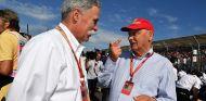Chase Carey y Niki Lauda en Australia - SoyMotor.com