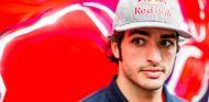 Carlos Sainz espera cerrar la temporada 2015 en el Top 10 - LaF1