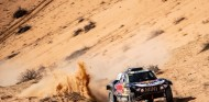 Sainz acaba segundo en la Baja Hail 1; Al-Attiyah gana - SoyMotor.com