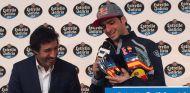 Carlos Sainz en un acto de Estrella Galicia - LaF1
