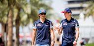 Sainz y Verstappen mantienen una relación cordial pese a su rivalidad - LaF1