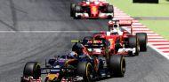 Sainz superó a los Ferrari en la salida del Gran Premio de España y los aguantó durante diez vueltas - LaF1