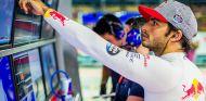 Marko no descarta que Sainz debute con Renault en Malasia - SoyMotor.com