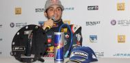Sainz consigue el doblete en Paul Ricard y roza el título de las WSR