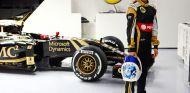 Carmén Jordá vistiendo los colores de Lotus - LaF1.es