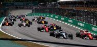 Salida de la carrera del Gran Premio de Brasil F1 2017 - SoyMotor.com