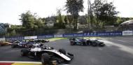 Un espeluznante accidente de Hubert suspende la carrera de F2 - SoyMotor.com