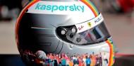 Vettel organiza una subasta solidaria de su casco por la diversidad - SoyMotor.com