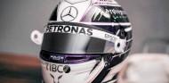 Hamilton innova para 2020: casco morado y rosa - SoyMotor.com