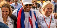 Charlie Rose, Lewis Hamilton y Angela Cullen en México - SoyMotor.com
