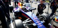 Sebastian Vettel estrenará otro chasis del RB10 en Singapur