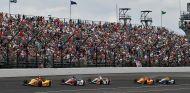 Max Chilton y Fernando Alonso en Indianápolis - SoyMotor.com
